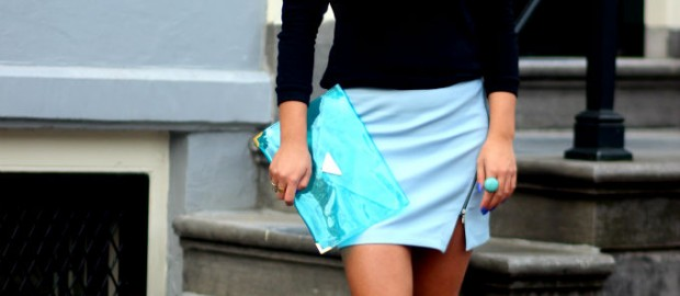 my daily fashion dosis x blue leather skirt