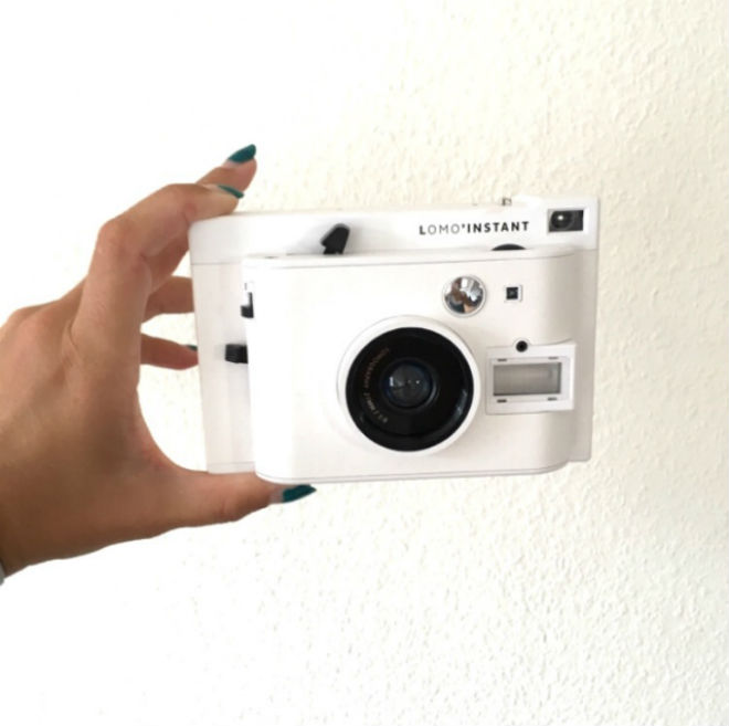 how to put polaroid pictures on computer